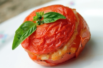 rice filled tomato: Mediterranean taste